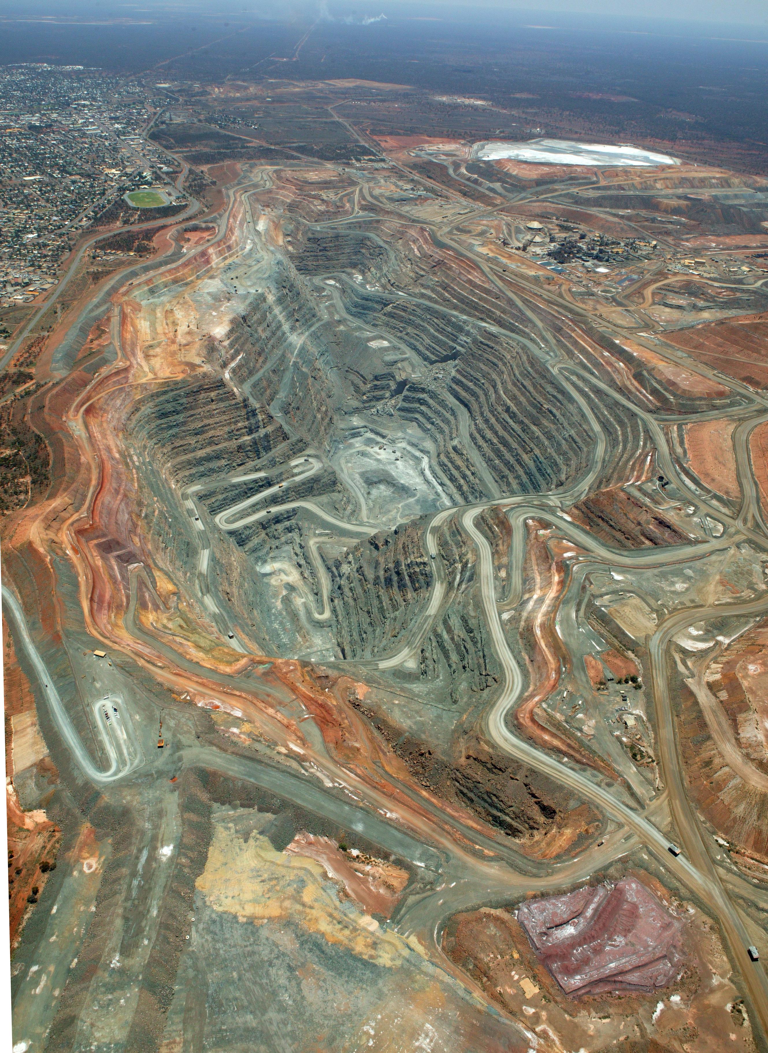 The Kalgoorlie Super Pit Mining Com