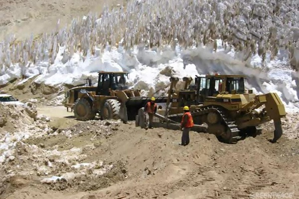 Barrick has had enough: stops construction of Pascua-Lama, mulls stake sale