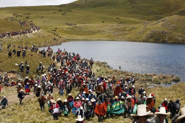 Newmont's Conga opponents vandalize mine site, kidnap worker