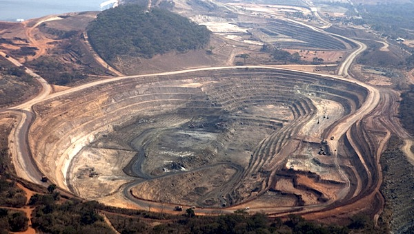Glencore Xstrata raises stake in Africa's copper belt