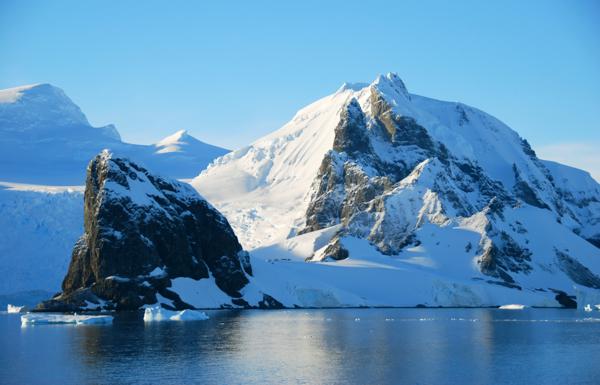 Massive diamond deposit said to be hiding beneath Antarctica's icy hills