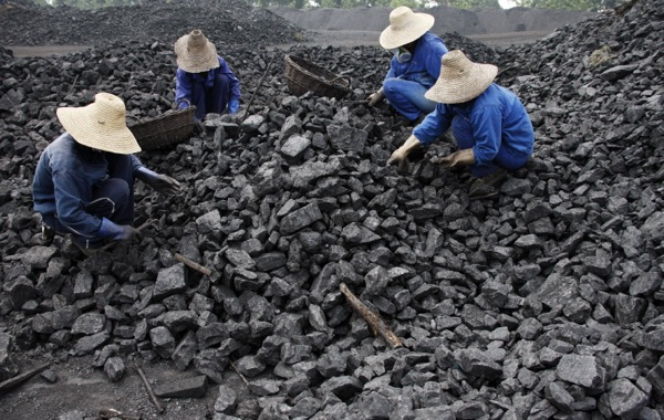 China to shut down 2,000 coal mines this year
