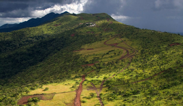 War of Titans: Rio Tinto suing Vale over iron ore rights in Guinea