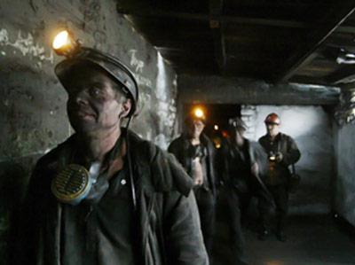 Pro-Russia rebels seize coal mines in Ukraine, demand explosives