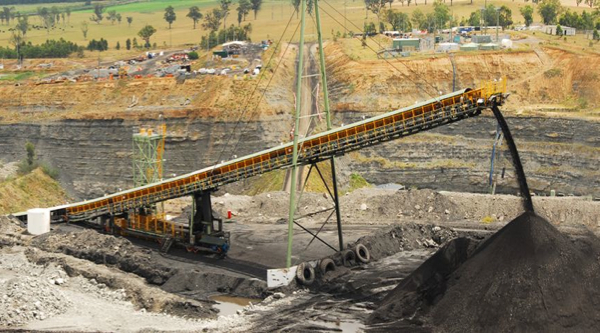 Vale fires 500 coal miners in Australia, shuts down operations