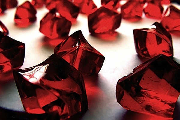'Blood diamond' monitoring to remain focus on conflict-thorn regions