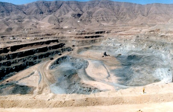 Freeport-McMoran mulls sale of one of largest copper mines in Chile