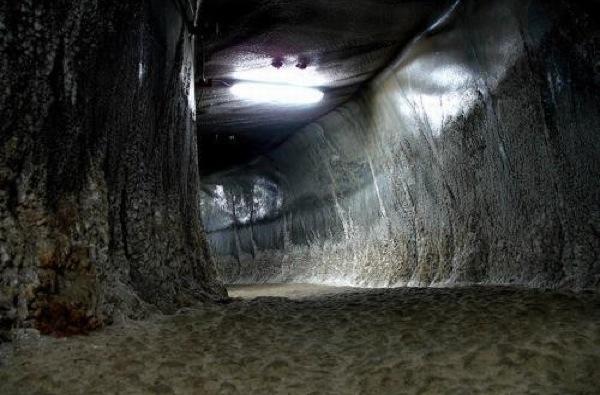 Abandon Romanian mine now an underground theme park