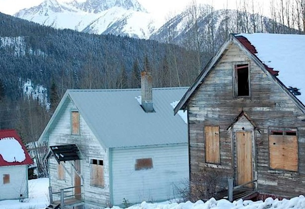 Abandoned Canadian mining town up for sale