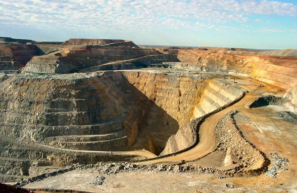 Newmont steps up pressure against W. Australia's royalty hike
