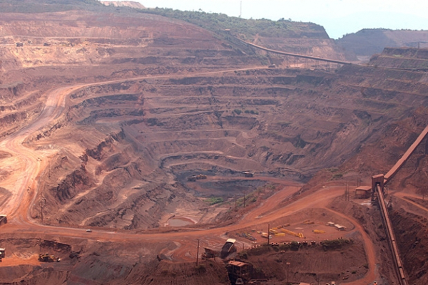 Weak iron ore prices cause Vale $1.44 billion loss in Q3