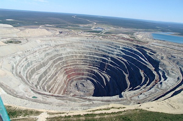Russian miners finds rock containing 30,000 diamonds