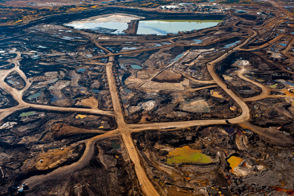 Oil price debacle likely to drive Alberta into recession: report