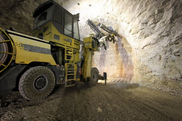 emr capital raises 450 million gold copper potash