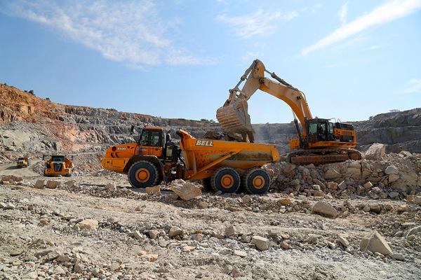 Zimbabwe's top diamond mining firms agree to merge
