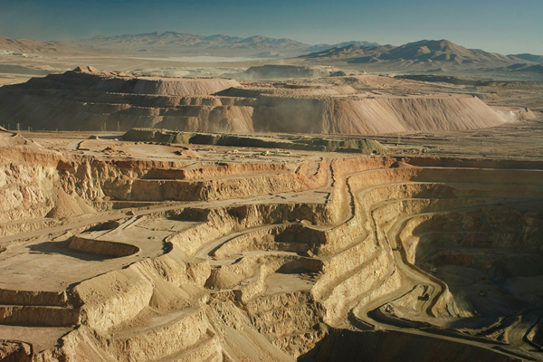 Barrick begins sale of stake in Chile's Zaldivar copper mine