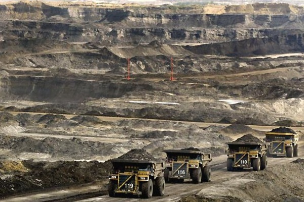 Canada to cut 30% of emissions by 2030, does not include oil sands