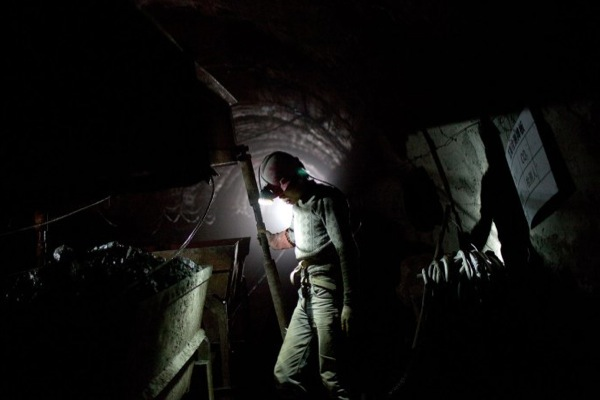 US coal miner Murray Energy to lay off around 1,800