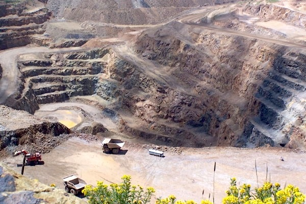 AngloGold, Newmont in talks over sale of Colorado mine