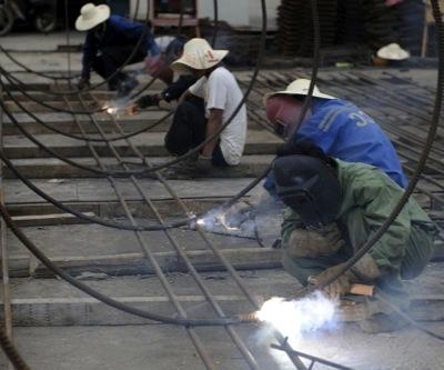 Chinese investors eye struggling iron miners in Australia