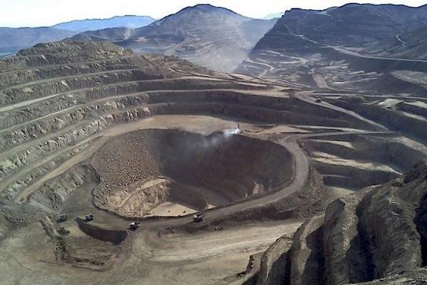 Mick Davis bids for Anglo's Chile copper mines