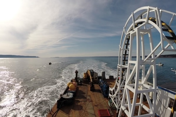 Canadian provinces to cut fuel use, boost tidal energy