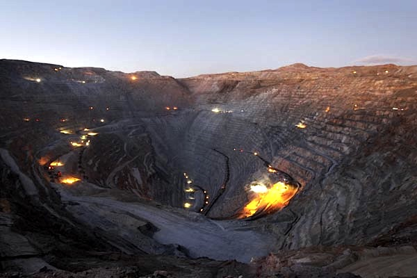 Codelco resumes operations at Chuquicamata amid fresh road blockages
