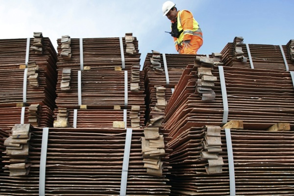 Copper prices hit 6-year low, blame China