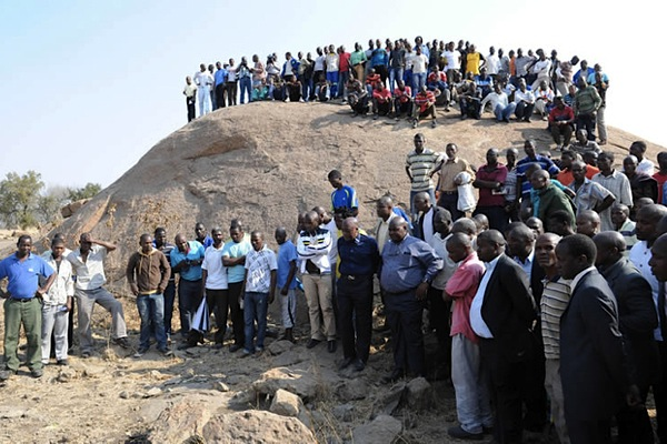 Wage negotiations in S. Africa's gold sector to end next week