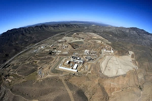 Molycorp shuts down Mountain Pass rare earth plant