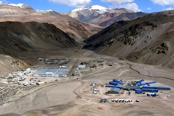 Barrick's Veladero gold mine in Argentina halted over cyanide leak