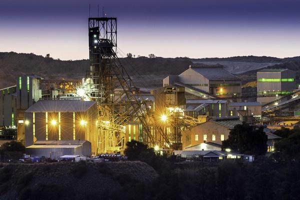 Petra Diamonds losing some sparkle, net profit down 33 pct