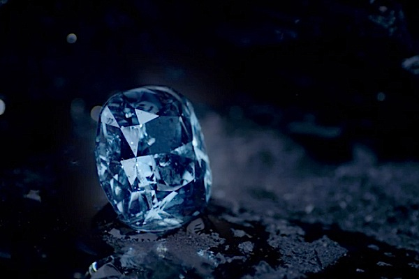 This blue diamond may become the most expensive gem ever sold in auction