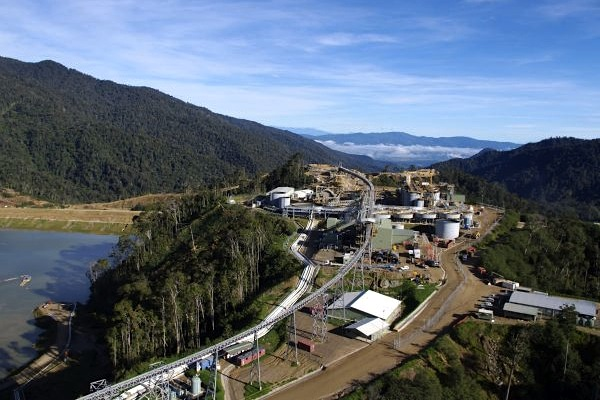 Newcrest gold output falls 13% on fatalities, mechanical flops