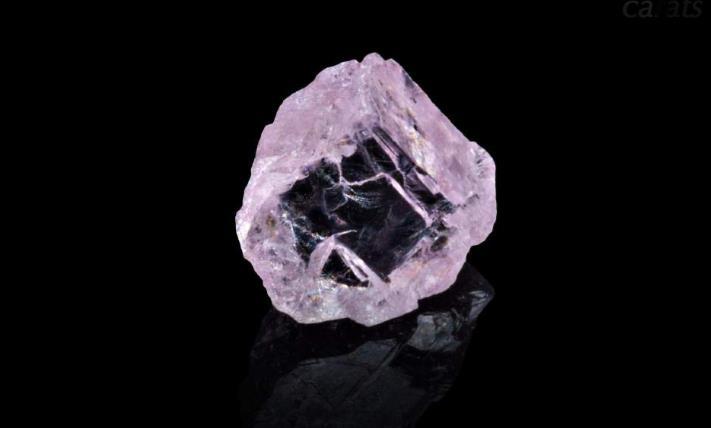 8.03 carat pink diamond recovered from Karowe up for sale November 12, 2015. Source Lucara Diamond Corp.