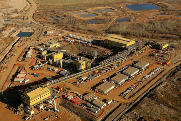 Syncrude's $1.9 billion centrifuge plant, currently under construction. (Image courtesy of Syncrude, via Flickr)