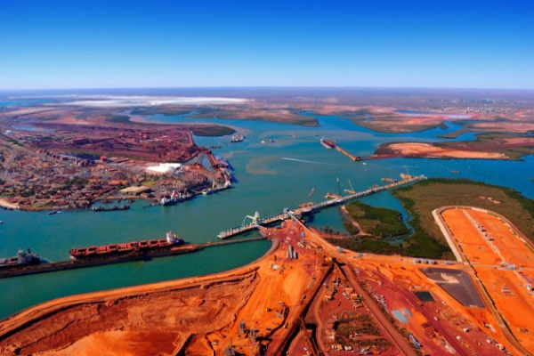 Iron ore keeps falling, drops below $43 a tonne