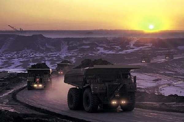 Oil sands industry to remain under siege until 2020 on low crude prices