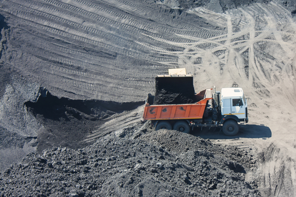 Glencore axes jobs, coal output at Australia's mine as price collapses
