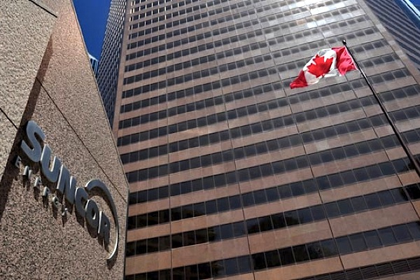 Suncor presses Canadian Oil Sands shareholders for a takeover offer nod