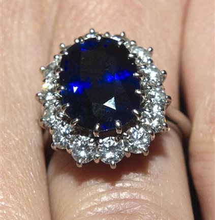 f6a31f4c205fa This is the recently found largest blue star sapphire ever, and it's ...