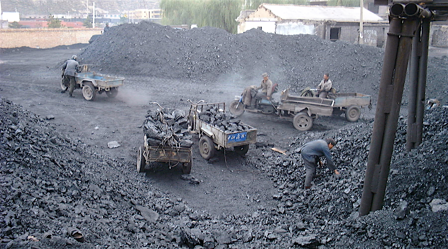 Coal mining at Lao Ye Temple Mine. (Image by LHOON | Flickr Commons). Growth in Chinese thermal coal imports will not last long