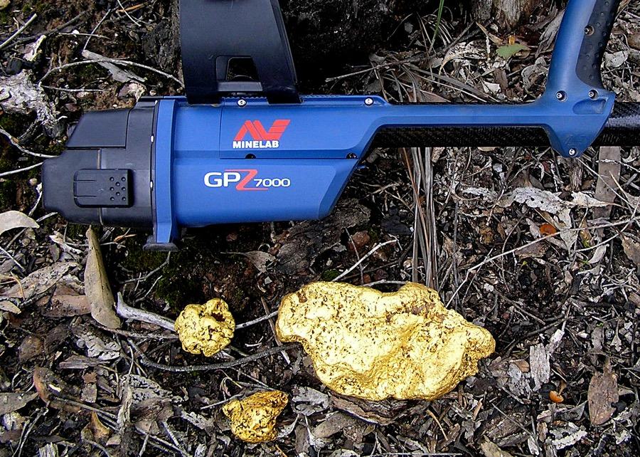 This Australian man just found a massive 4kg gold nugget