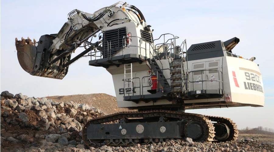 Liebherr presents new R 9200 mining excavator at MINExpo