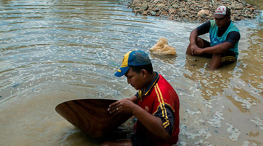 Miners at El Callao in Venezuela (Photo: Elestimulo.com/Fabiola Ferrero).