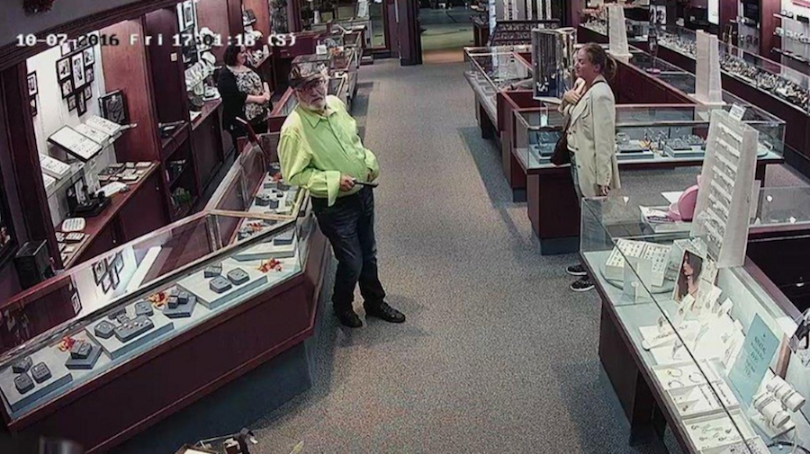 Thieves swap $20k diamonds for worthless stones in Canada's East Coast