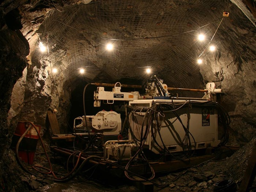 Canadian Gov't throws $2 million lifeline to Newfoundland copper-gold mine