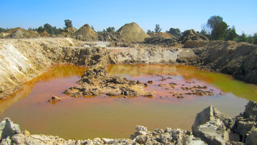 Removal of post mining contamination for land rehabilitation