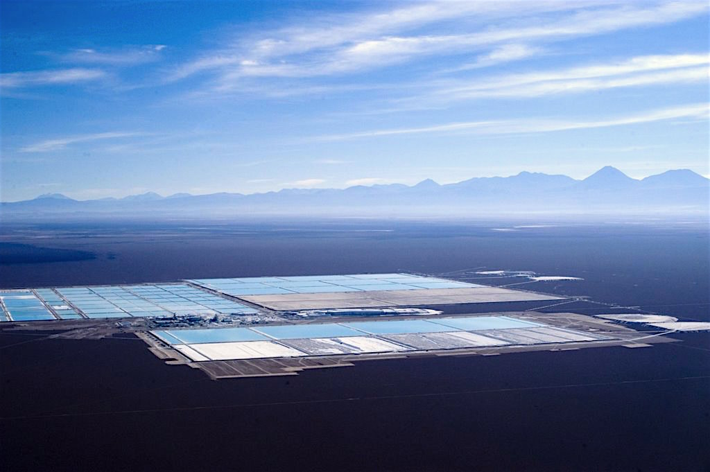 Chinese-Korean group to build $2 billion lithium batteries plant in Chile