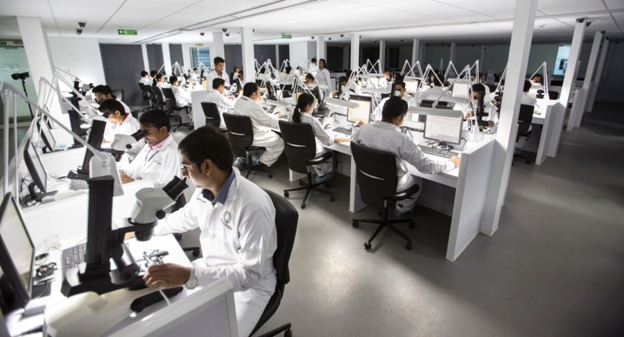 De Beers invests $5 million to expand India's diamond grading unit